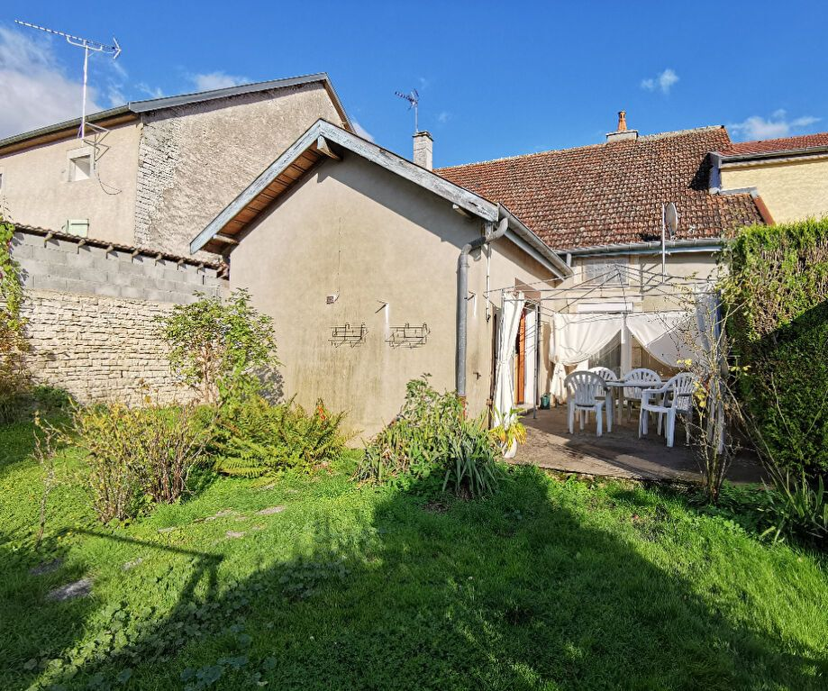 Maison à vendre 4 110m2 à Roches-Bettaincourt vignette-1