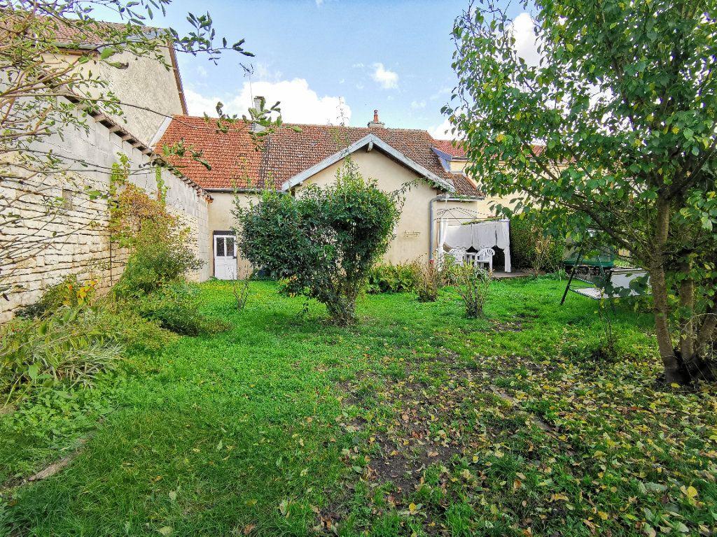 Maison à vendre 4 110m2 à Roches-Bettaincourt vignette-2