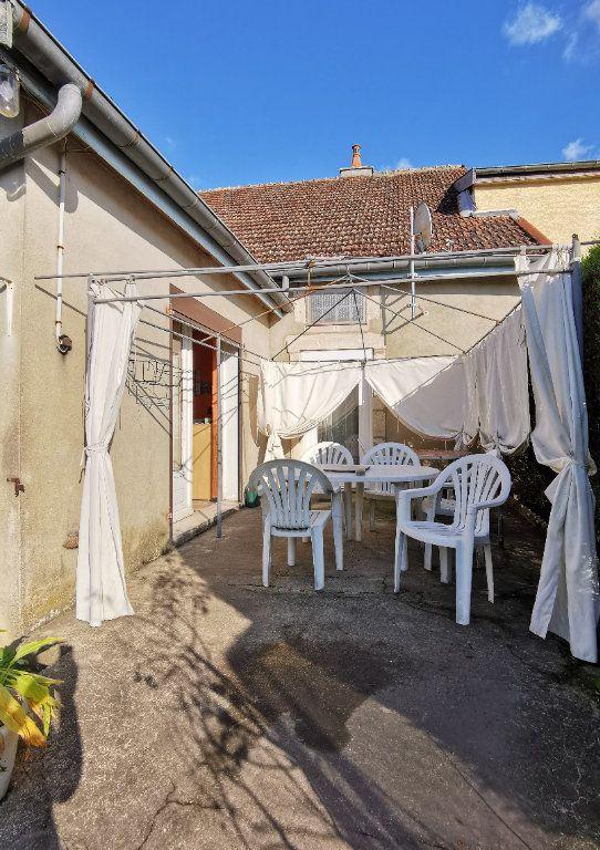 Maison à vendre 4 110m2 à Roches-Bettaincourt vignette-4