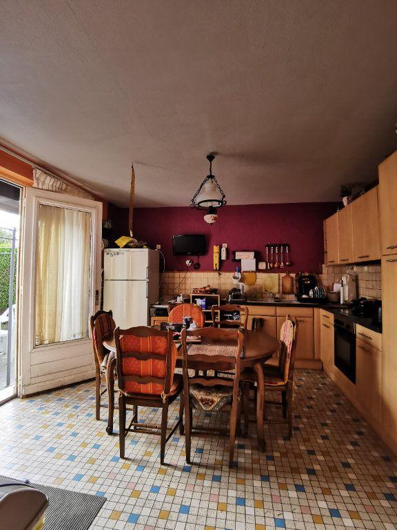 Maison à vendre 4 110m2 à Roches-Bettaincourt vignette-5