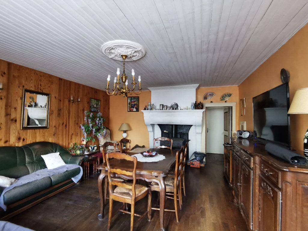 Maison à vendre 4 110m2 à Roches-Bettaincourt vignette-6