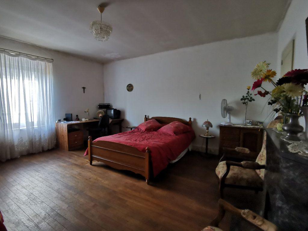 Maison à vendre 4 110m2 à Roches-Bettaincourt vignette-8