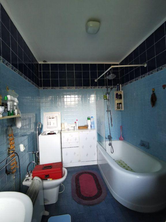 Maison à vendre 4 110m2 à Roches-Bettaincourt vignette-9