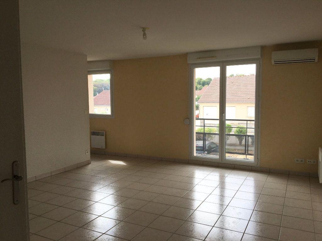 Appartement à louer 2 50m2 à Mandres-la-Côte vignette-2