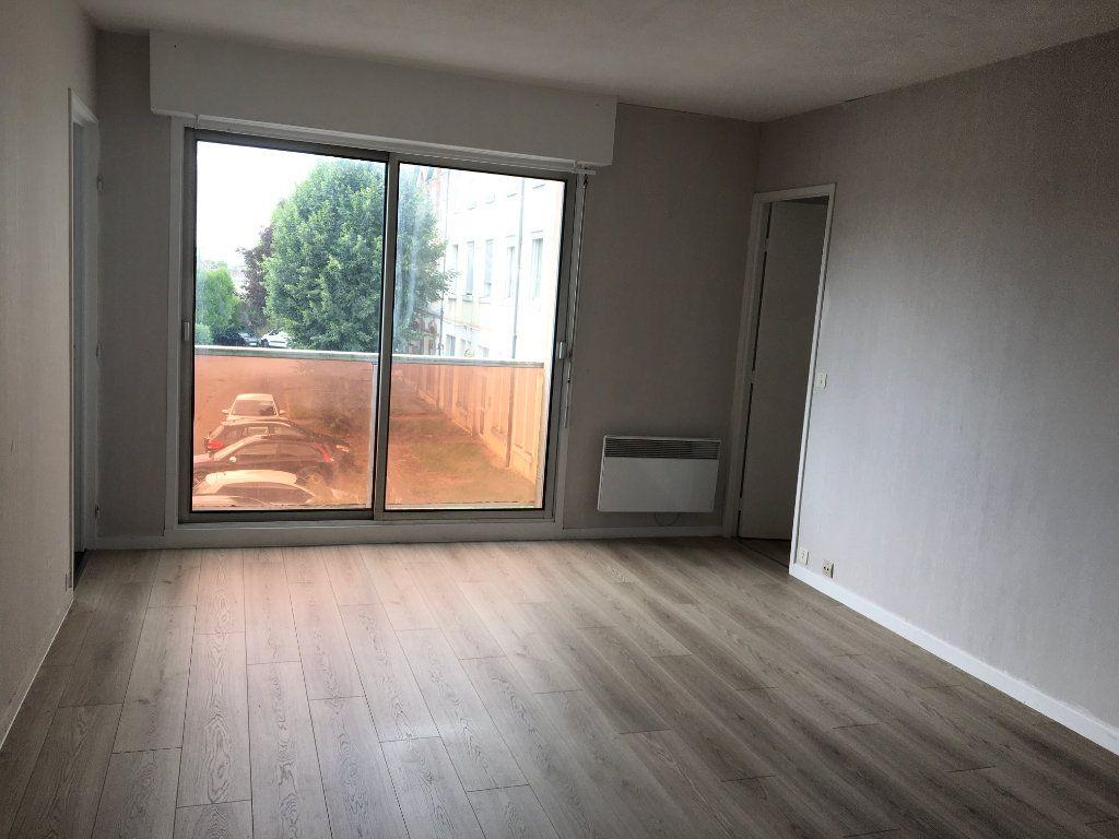 Appartement à louer 2 42.05m2 à Chaumont vignette-2