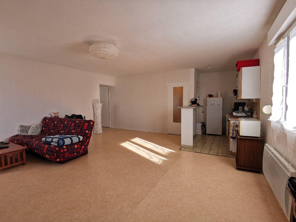 Appartement à vendre 3 69m2 à Chaumont vignette-2