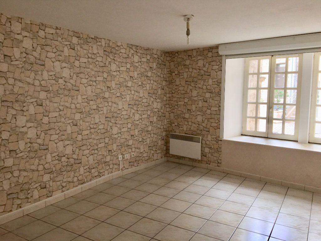 Appartement à louer 3 65m2 à Chaumont vignette-2