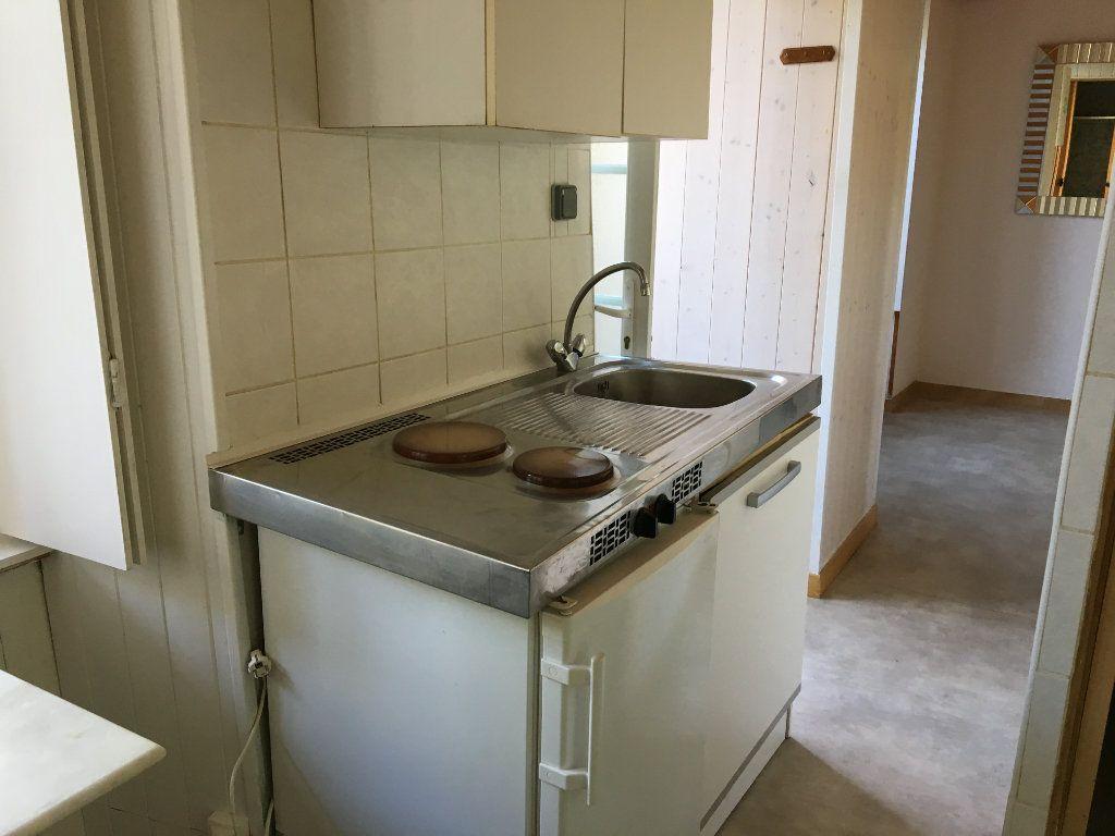 Appartement à louer 1 14m2 à Chaumont vignette-2