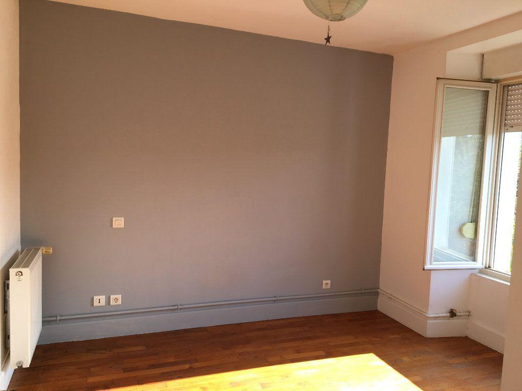 Appartement à louer 3 68m2 à Foulain vignette-2