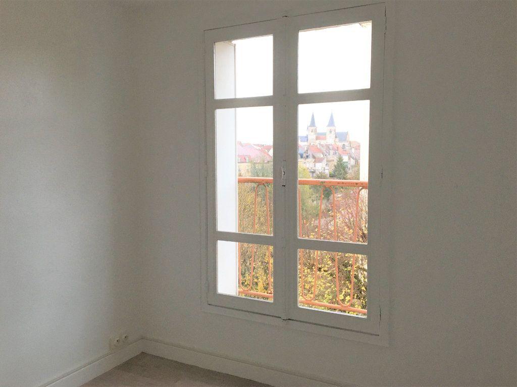 Appartement à louer 4 72.59m2 à Chaumont vignette-5