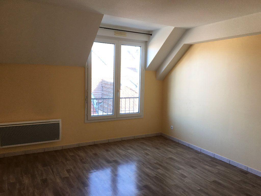 Appartement à louer 4 81m2 à Chaumont vignette-1