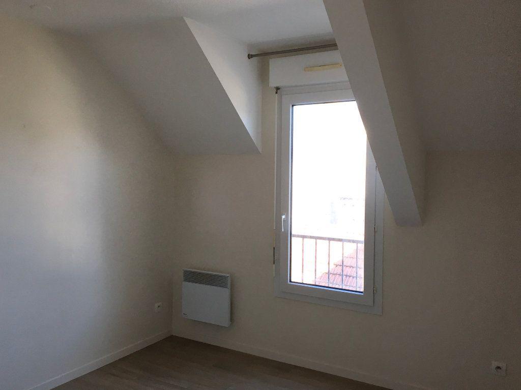 Appartement à louer 4 81m2 à Chaumont vignette-2