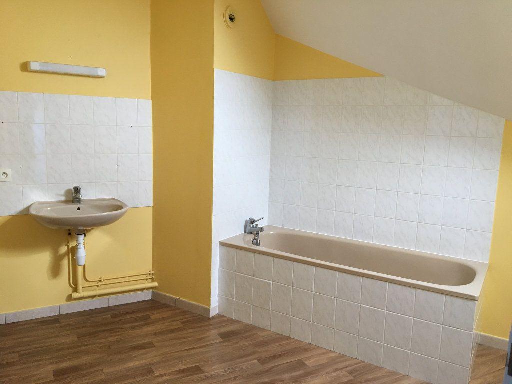 Appartement à louer 4 81m2 à Chaumont vignette-7