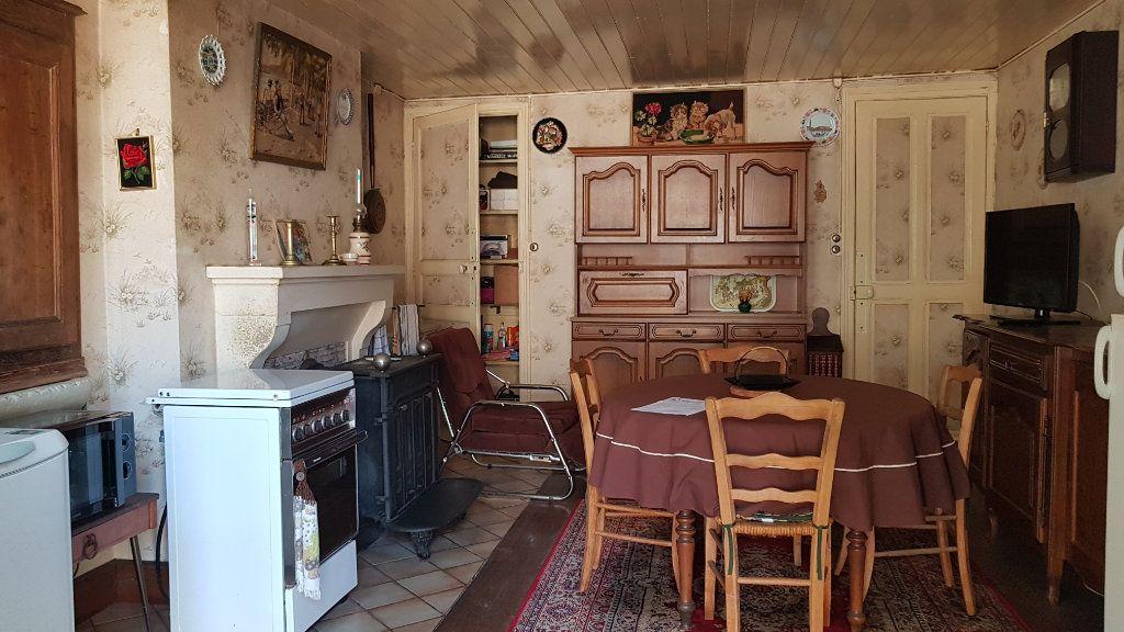 Maison à vendre 4 101m2 à Châteauvillain vignette-1
