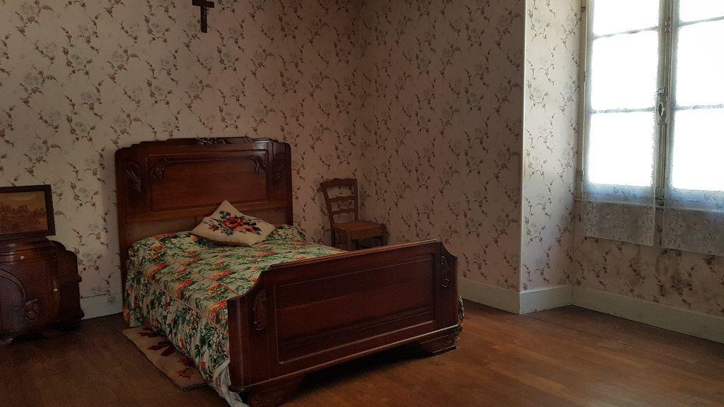 Maison à vendre 4 101m2 à Châteauvillain vignette-5