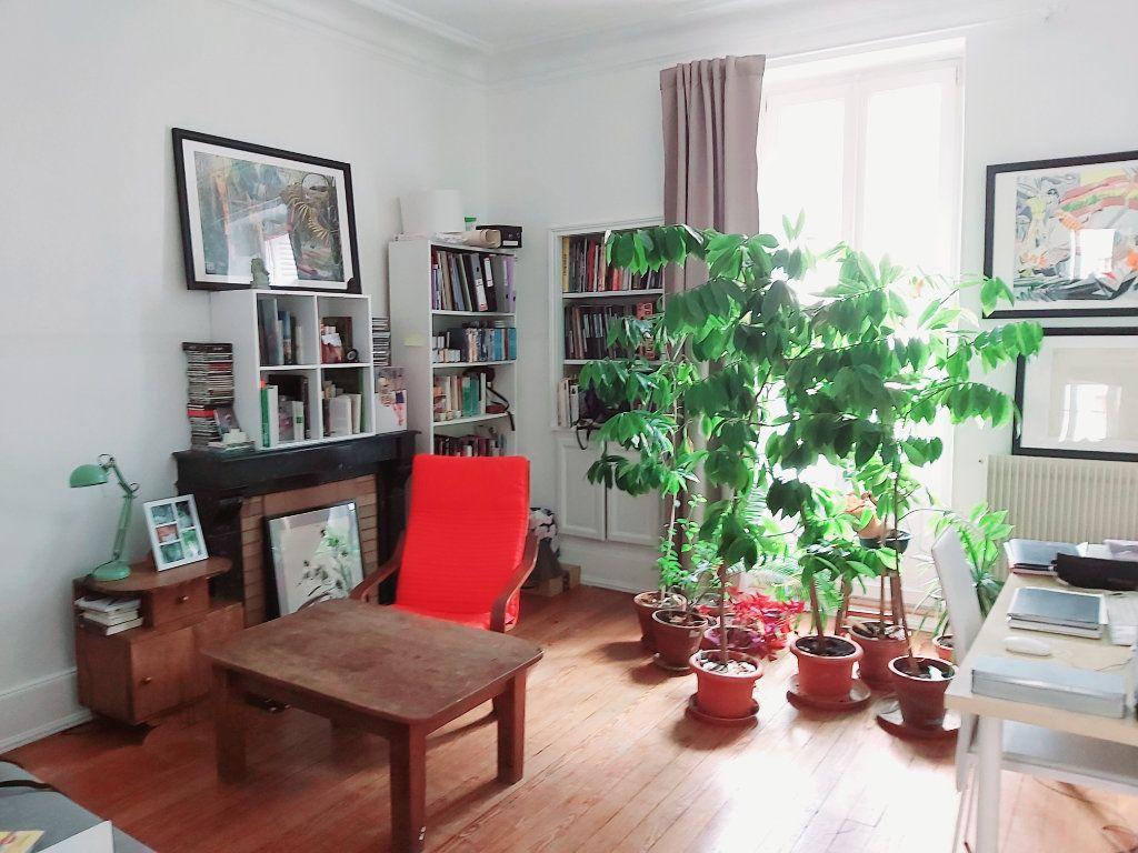 Appartement à vendre 2 53.89m2 à Dijon vignette-1