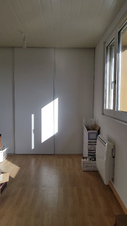 Appartement à vendre 3 63.84m2 à Rouvroy-sur-Marne vignette-4