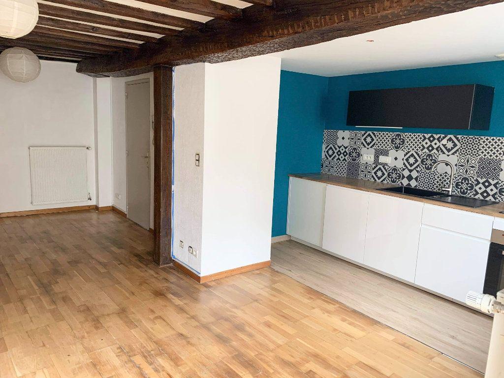 Appartement à louer 3 58m2 à Chaumont vignette-2