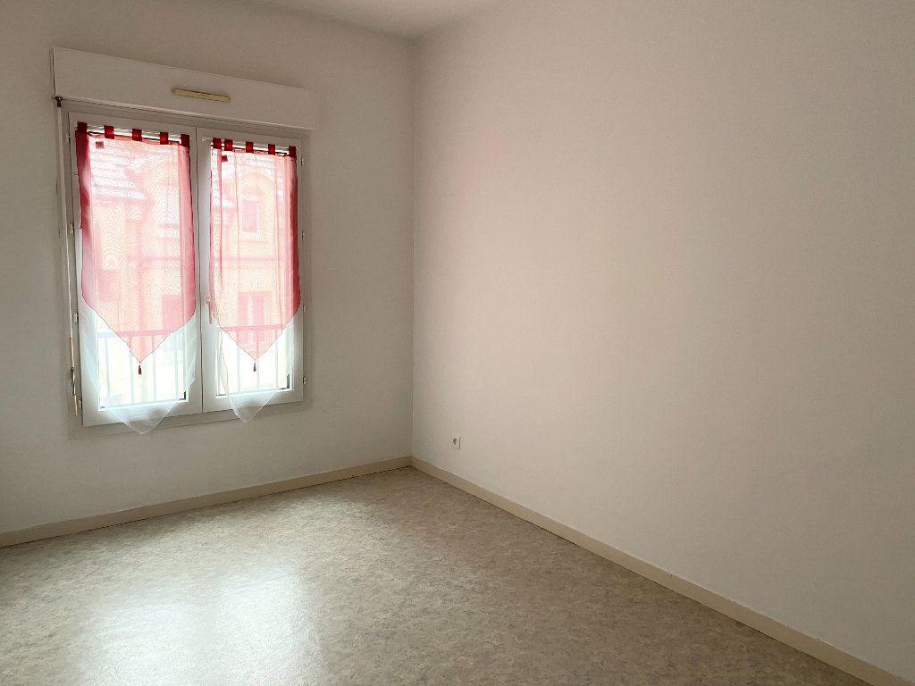 Appartement à louer 3 76m2 à Chaumont vignette-3