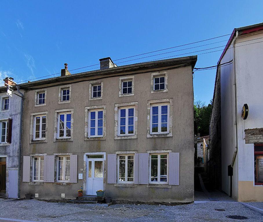 Maison à vendre 5 132.61m2 à Bologne vignette-1