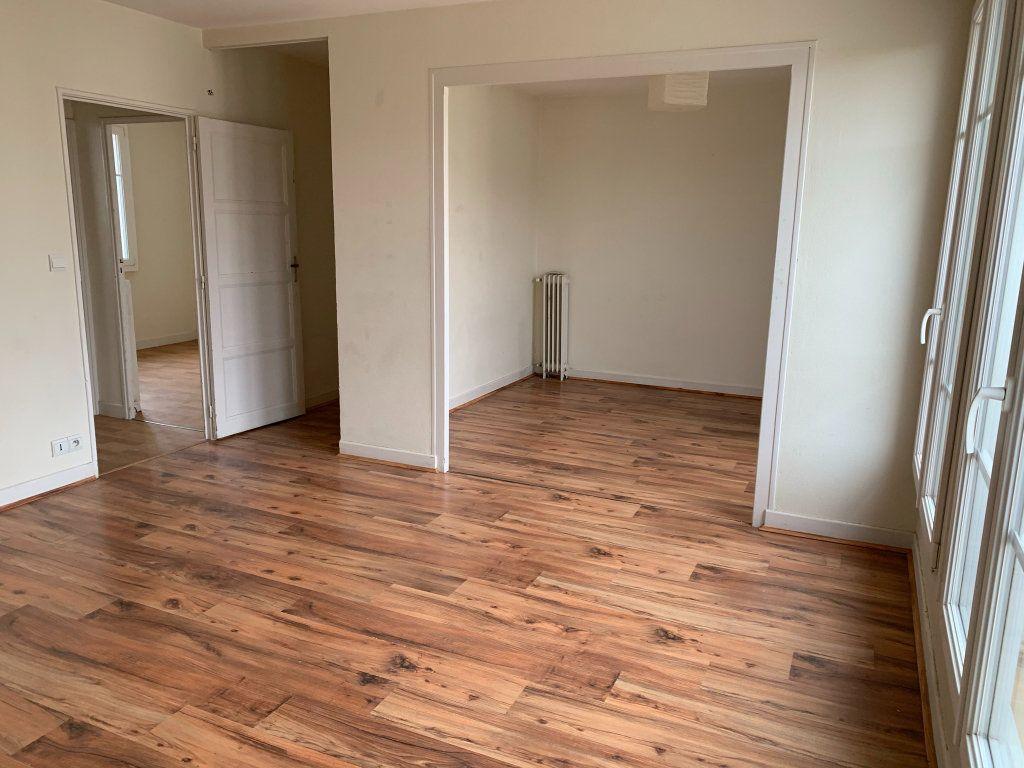 Appartement à vendre 5 75m2 à Chaumont vignette-1