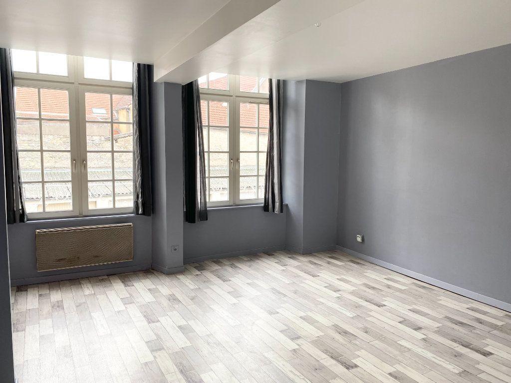 Appartement à louer 1 34m2 à Chaumont vignette-1