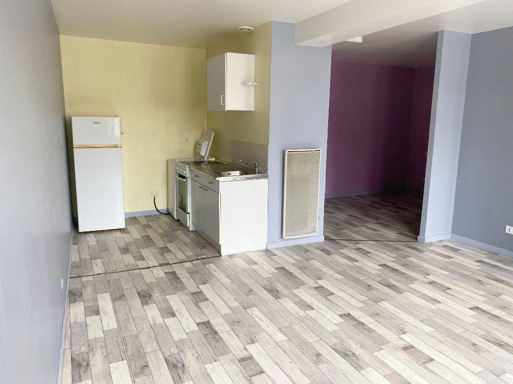 Appartement à louer 1 34m2 à Chaumont vignette-3