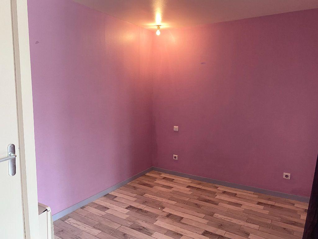Appartement à louer 1 34m2 à Chaumont vignette-4