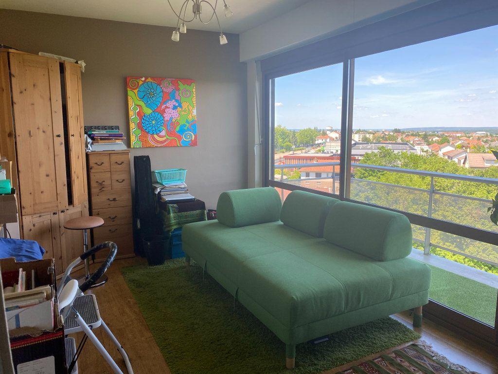 Appartement à louer 4 98m2 à Chamarandes-Choignes vignette-2