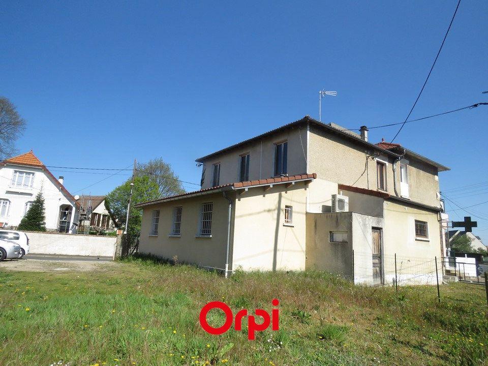 Immeuble à vendre 0 179.5m2 à Villemoisson-sur-Orge vignette-2