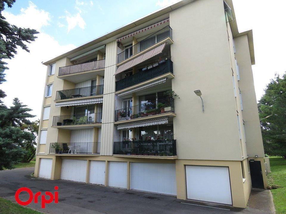 Appartement à vendre 4 75m2 à Ballainvilliers vignette-1