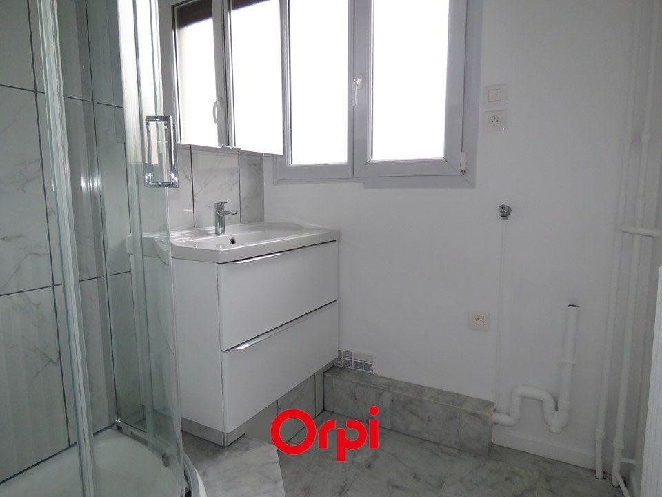 Appartement à louer 4 63.76m2 à Épinay-sur-Orge vignette-2