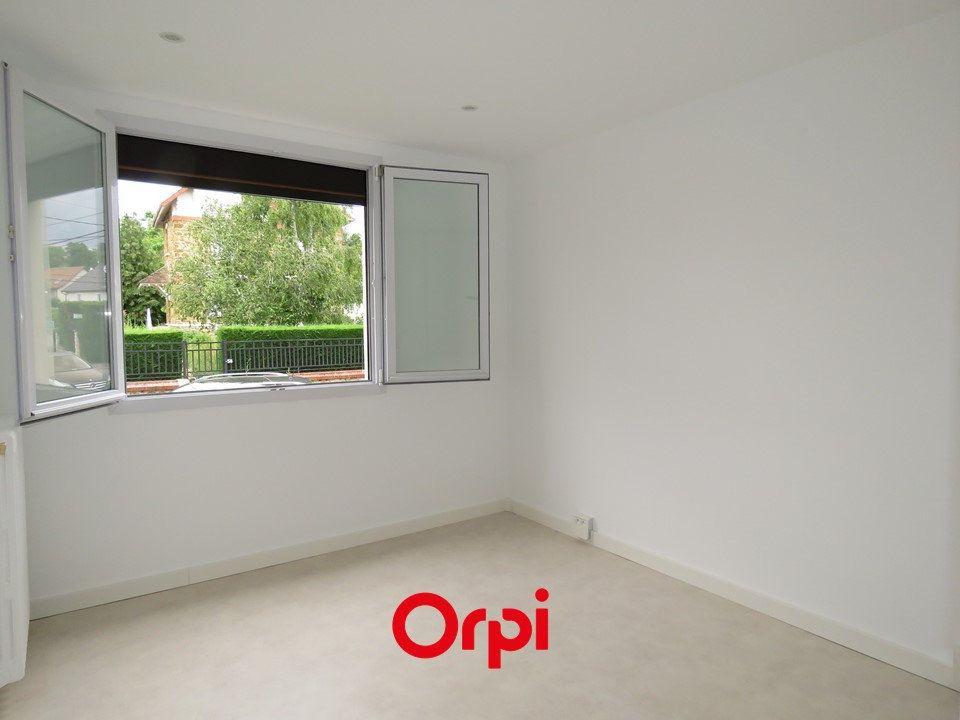 Appartement à louer 4 63.76m2 à Épinay-sur-Orge vignette-4