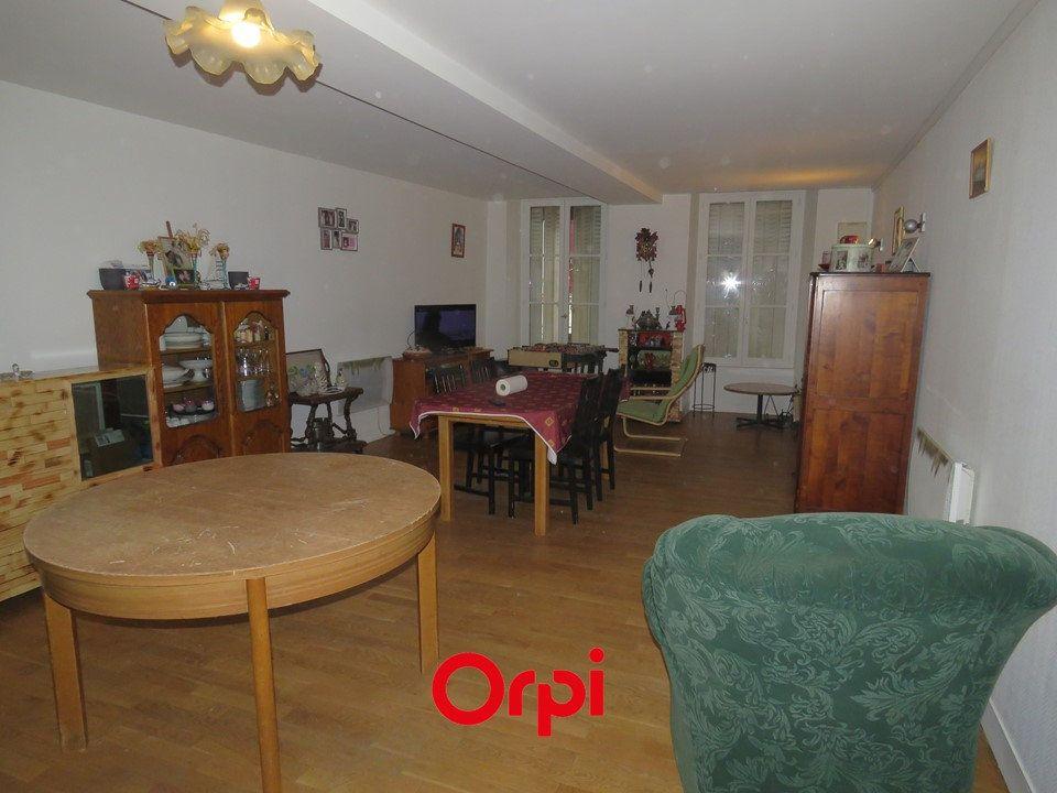 Appartement à louer 5 109.25m2 à Arpajon vignette-1
