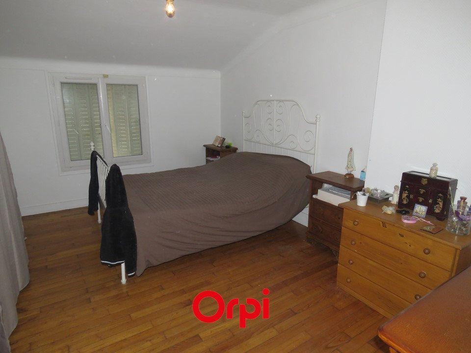 Appartement à louer 5 109.25m2 à Arpajon vignette-3