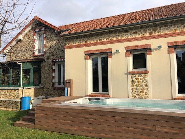 Maison à vendre 7 160m2 à Savigny-sur-Orge vignette-1