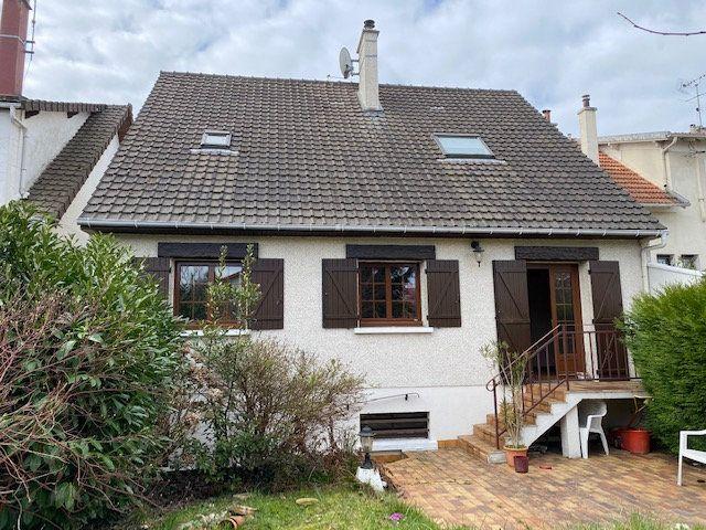 Maison à vendre 7 125m2 à Savigny-sur-Orge vignette-1