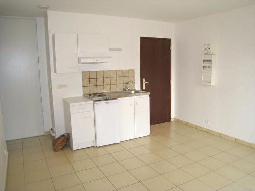 Appartement à louer 2 33m2 à Savigny-sur-Orge vignette-3