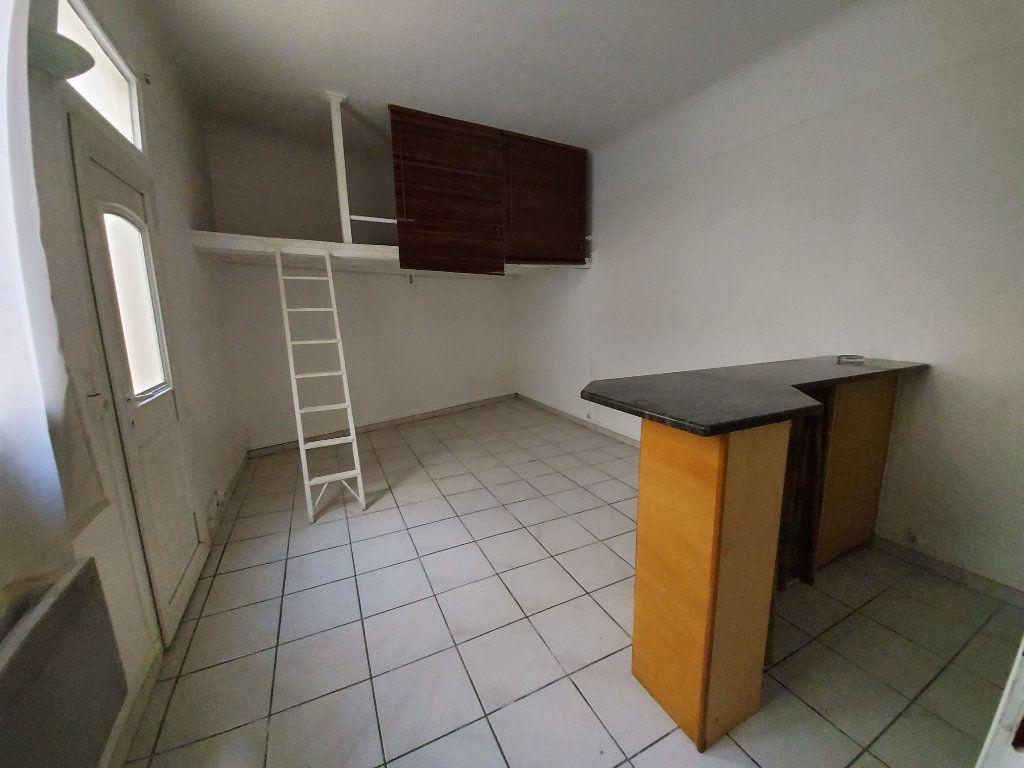 Appartement à louer 1 19m2 à Savigny-sur-Orge vignette-2