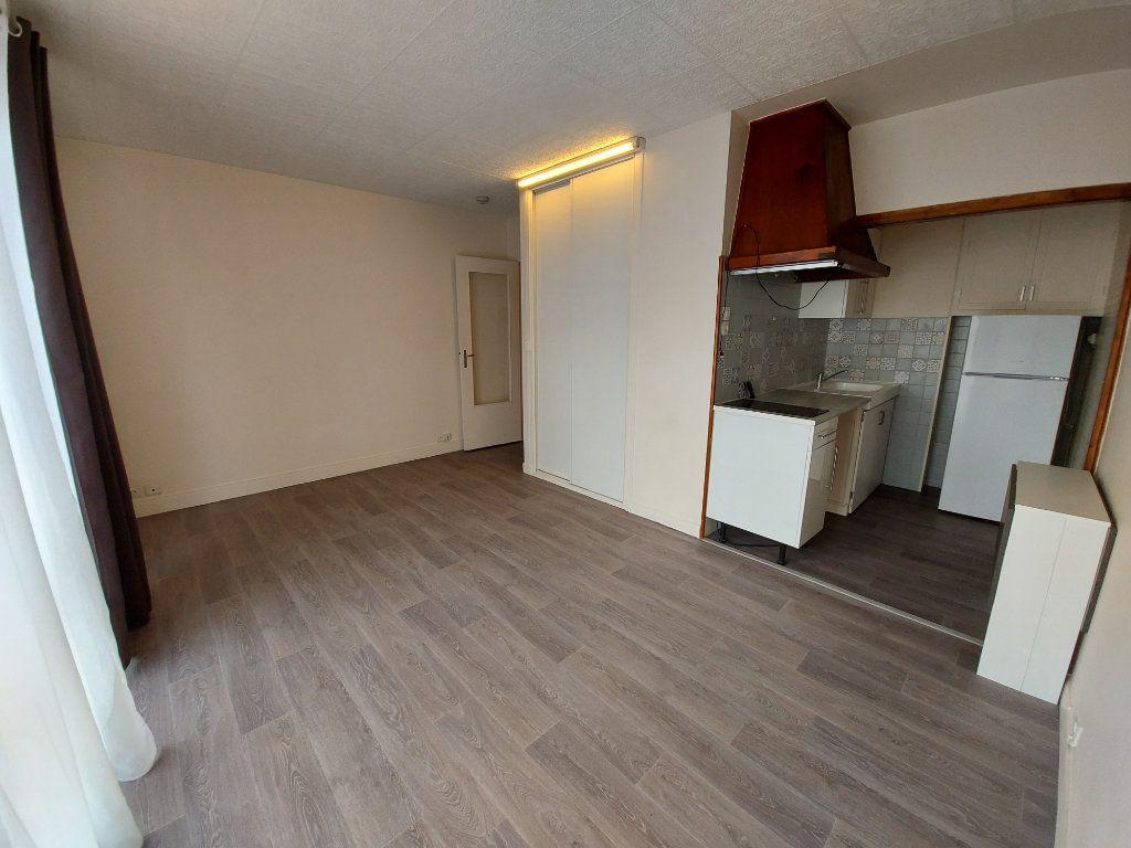 Appartement à louer 1 23.31m2 à Savigny-sur-Orge vignette-2