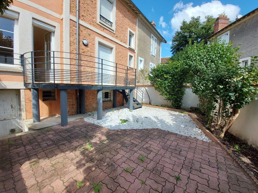 Maison à vendre 6 128m2 à Corbeil-Essonnes vignette-1