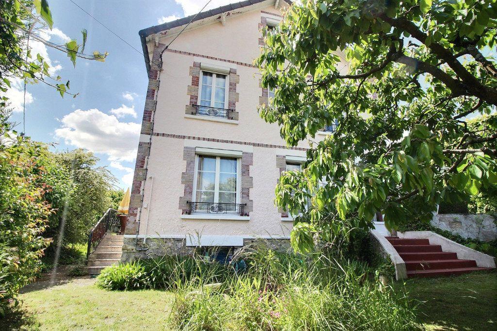 Maison à vendre 7 128m2 à Savigny-sur-Orge vignette-1