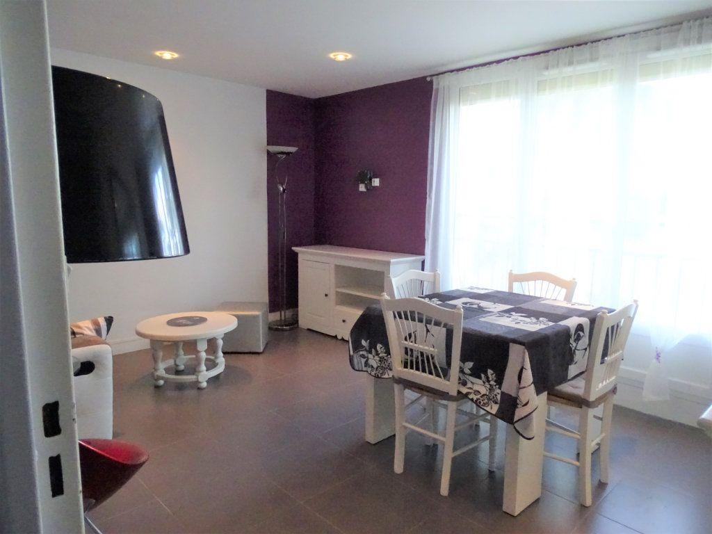 Appartement à louer 3 55.87m2 à Chilly-Mazarin vignette-1