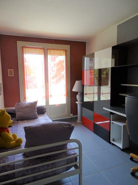 Appartement à louer 3 55.87m2 à Chilly-Mazarin vignette-5