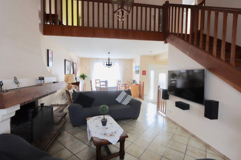 Maison à vendre 6 115m2 à Morangis vignette-1