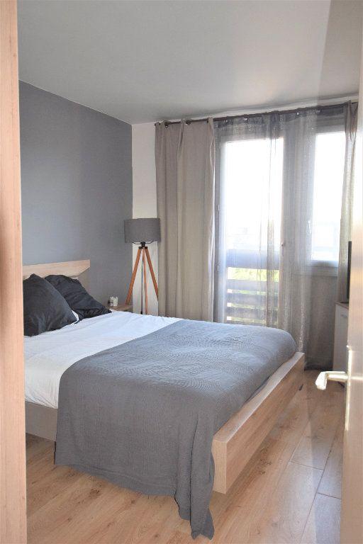 Appartement à vendre 3 70.61m2 à Saint-Michel-sur-Orge vignette-4