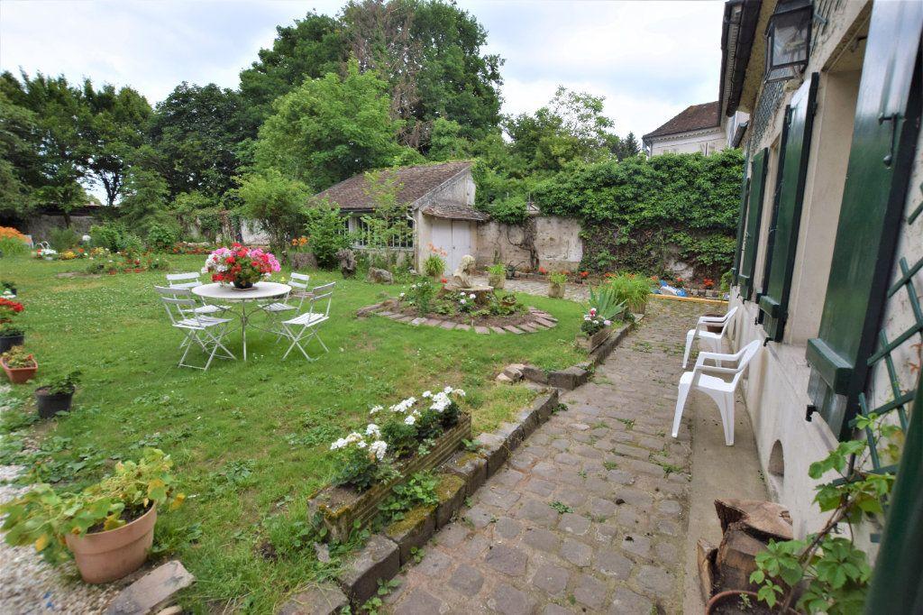 Maison à vendre 8 158.17m2 à Chilly-Mazarin vignette-2