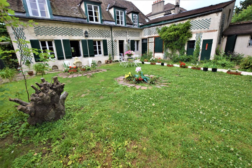 Maison à vendre 8 158.17m2 à Chilly-Mazarin vignette-3