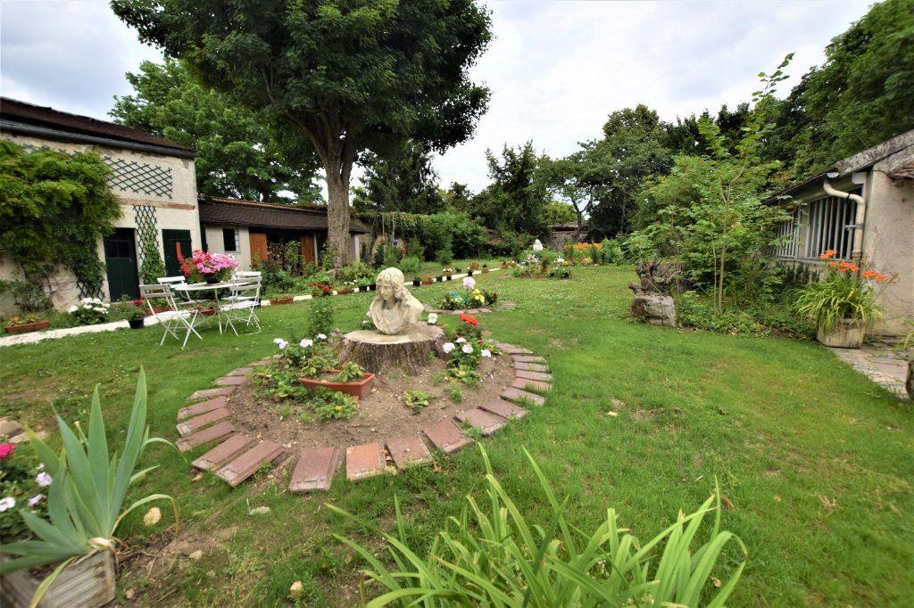 Maison à vendre 8 158.17m2 à Chilly-Mazarin vignette-16