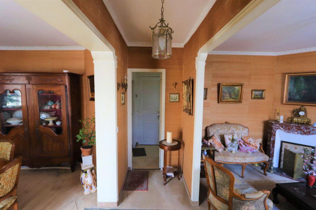 Maison à vendre 6 142m2 à Chilly-Mazarin vignette-2